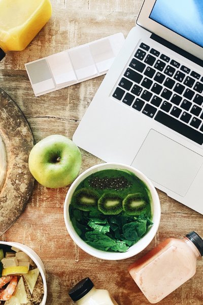 how to stay healthy as a blogger feature (1)