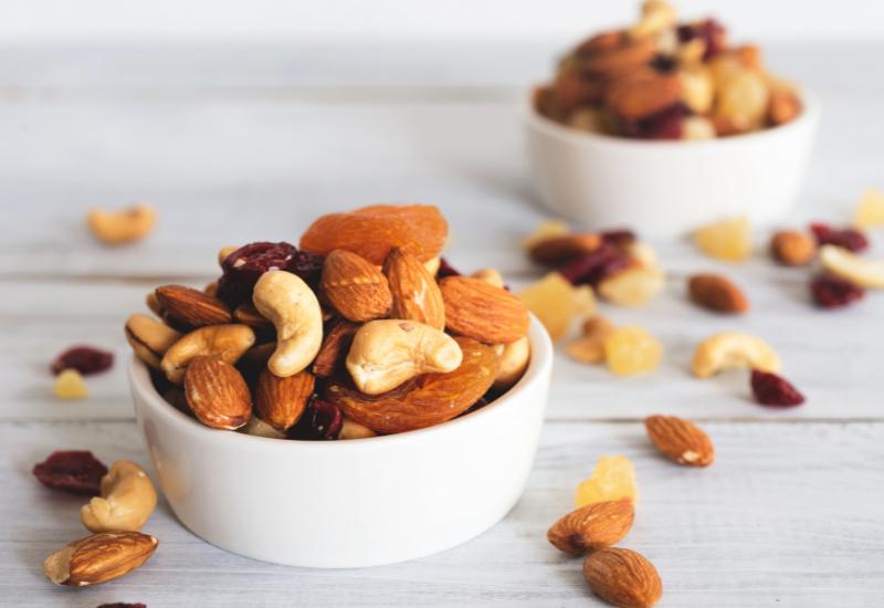 59 Healthy Breakfast Snacks For work Meetings nuts make a great healthy snack